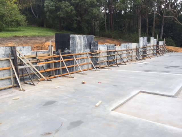 Split slab construction, deepened edge beams formwork