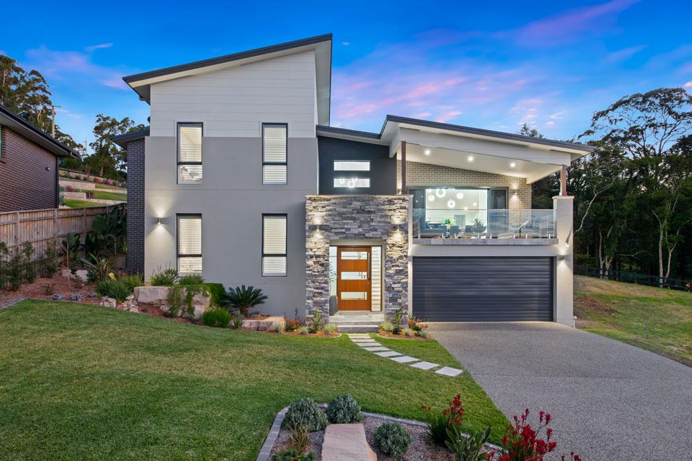 Terrigal Custom Home Build showcasing a versatile facade