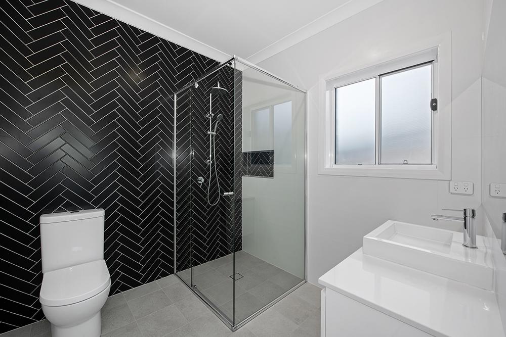 Ensuite Herringbone Feature Wall Tile & Niche