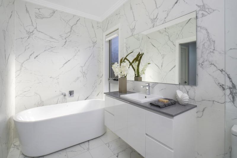 210 Terrigal Drive bathroom
