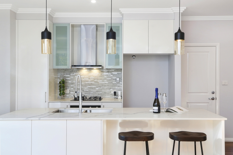 210 Terrigal Drive kitchen
