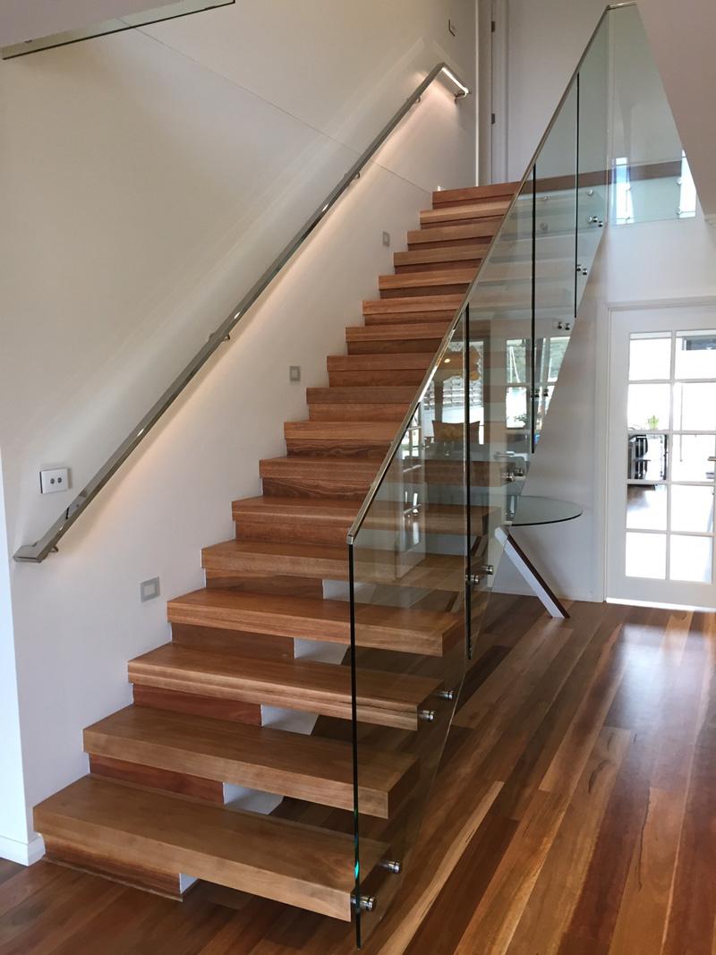 Open riser stair case