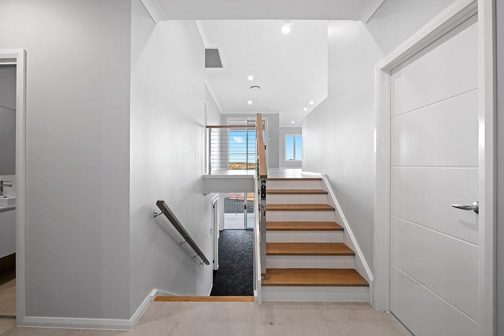 Englewood MKII Tri Level Foyer
