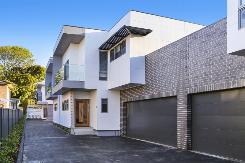 210 Terrigal Drive townhouses