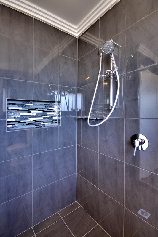 Cameron Park Keylargo Shower recess niche