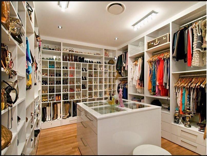 Walk in Wardrobe - Custom fittout